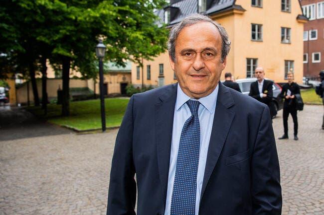 Macron mouillé dans l'affaire Platini — FIFA