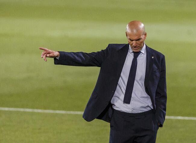 Alg : Zinedine Zidane aide l'Algérie en pleine crise