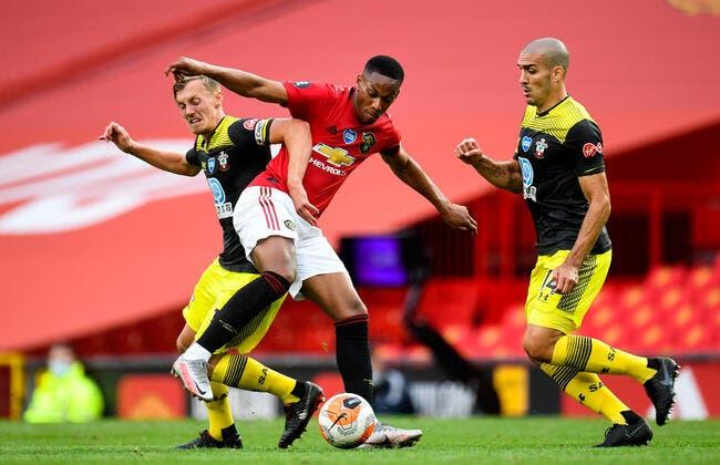 Ang : Man Utd rate le podium d'un souffle