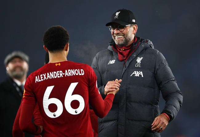Ang : La Premier League stoppée, Liverpool champion ?
