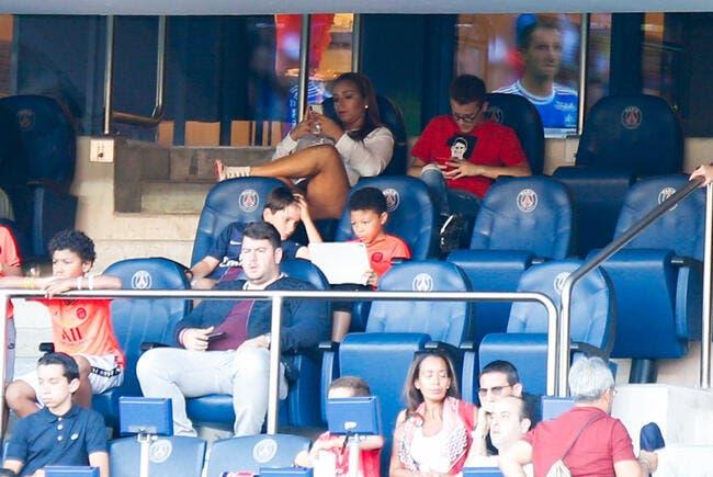 PSG : Madame Thiago Silva explique la fuite de France