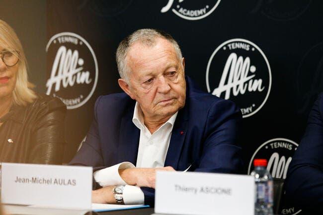 L'Italie refuse d'arrêter le foot, Aulas enrage
