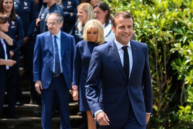 L1 : Macron berné par trois présidents sur l'arrêt du foot ?