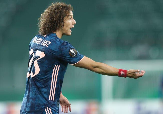 Arsenal : Un sale tacle, et David Luiz lui colle une droite