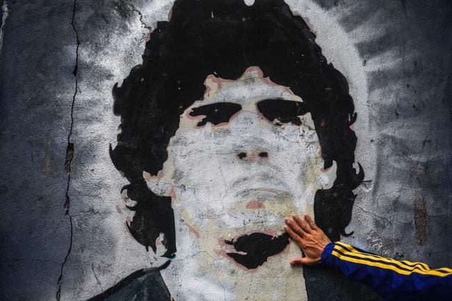 OM : Bernard Tapie regrette d'avoir raté Maradona à Marseille