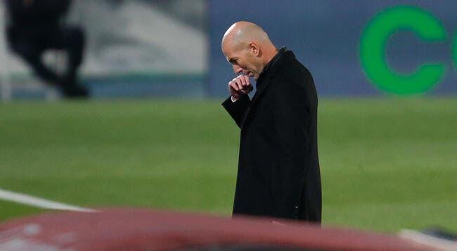 Esp : Zidane brutalement attaqué au Real madrid