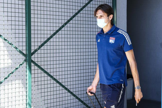 OL : Tatarusanu signe au Milan AC jeudi, son remplaçant déjà trouvé ?