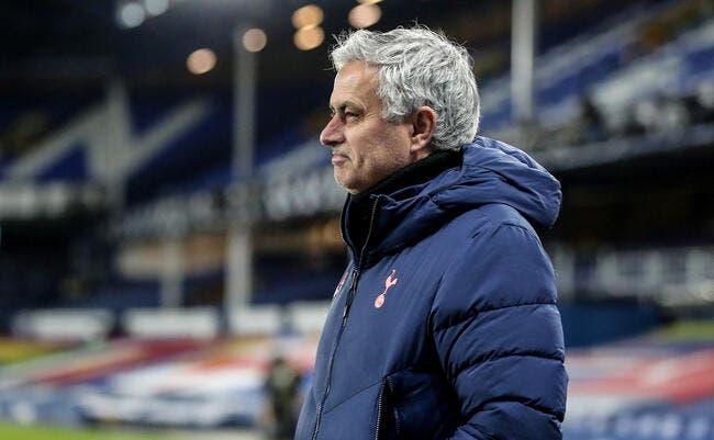 Ang: Mourinho en danger, un compatriote prêt à le remplacer
