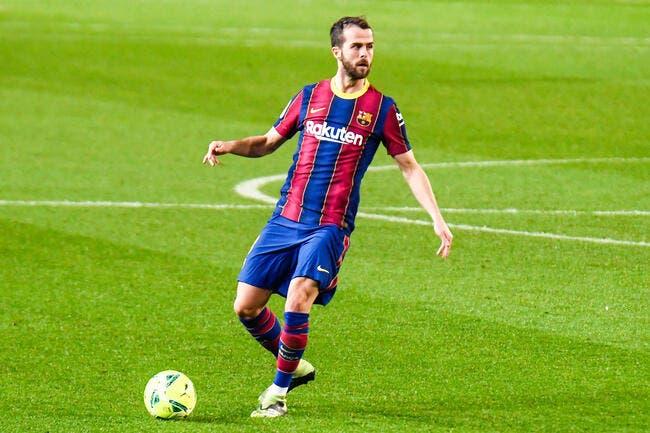 PSG : Le Barça tente de refourguer Pjanic à Paris