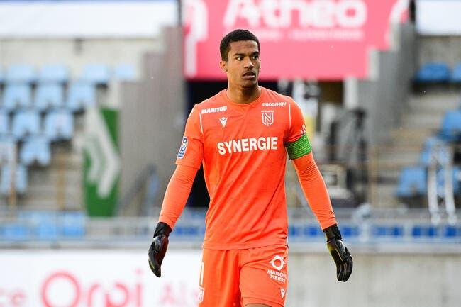 Officiel : Malgré l'OM, Alban Lafont signe à… Nantes