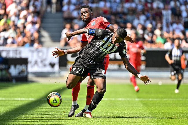 OL : Déroute totale pour Lyon, la toile s'enflamme
