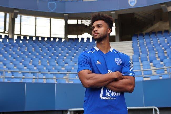 Officiel : Un défenseur de Manchester City à Troyes