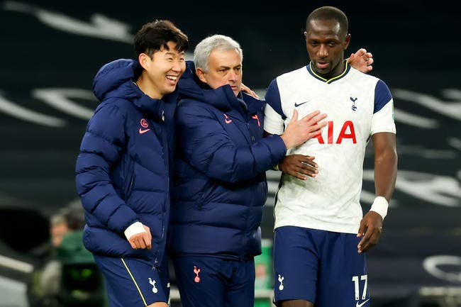 OL : Aulas lâche un scoop, Lyon intéresse José Mourinho