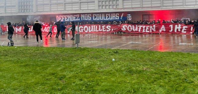 PSG : Les Ultras de Paris soutiennent Eyraud !