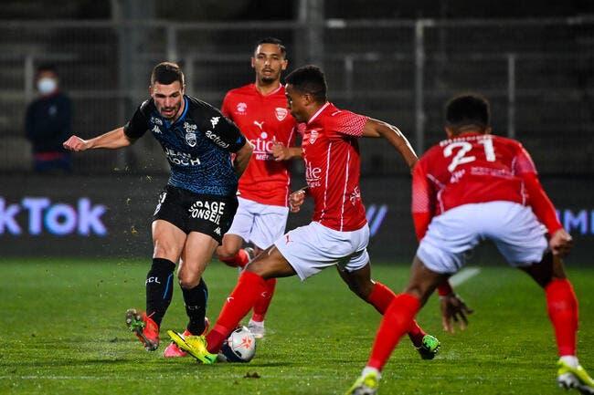 L1 : Nîmes arrache 3 pts et sort de la zone rouge !