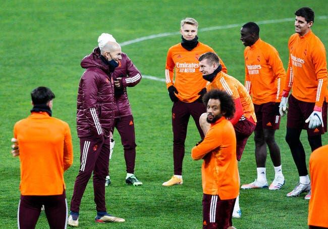 Real Madrid : Quatre joueurs demandent à virer Zidane