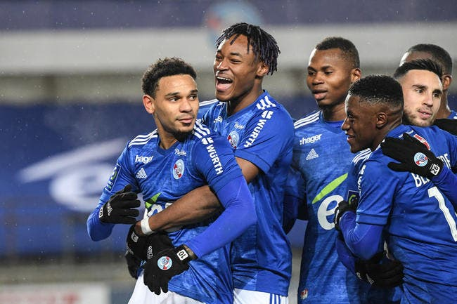 Ça chauffe pour le départ de Kenny Lala — RC Strasbourg