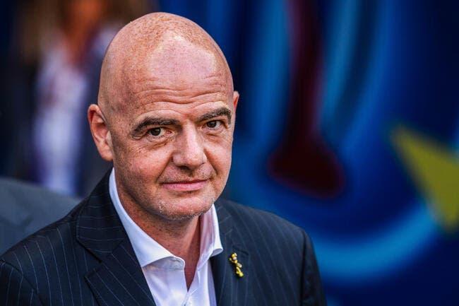 FIFA: De nouvelles règles testées, place au foot-basket!