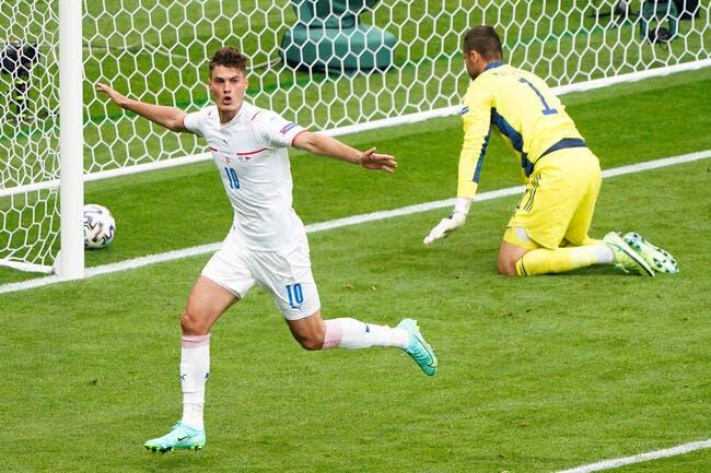 Euro 2021 : L'incroyable but de Schick contre l'Ecosse !