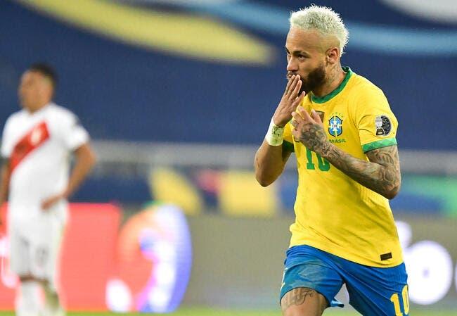 Brésil: Neymar le nouveau Roi, Pelé s'impatiente
