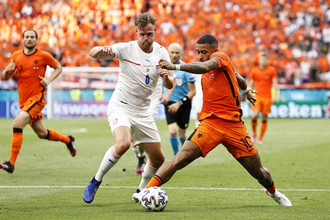 Euro : Les Oranjes voient rouge, les Tchèques se régalent
