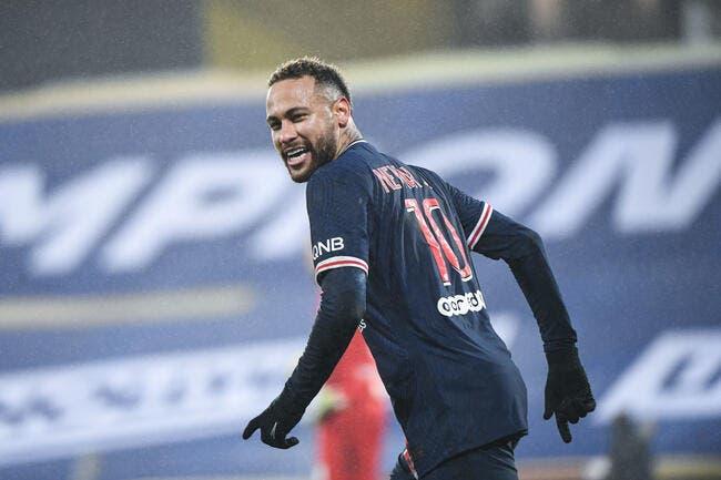 PSG : Neymar hésite à prolonger et pense au Barça