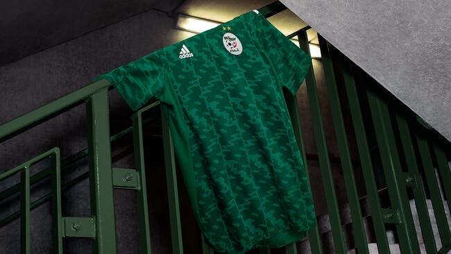 Photo : L'Algérie dévoile son nouveau maillot