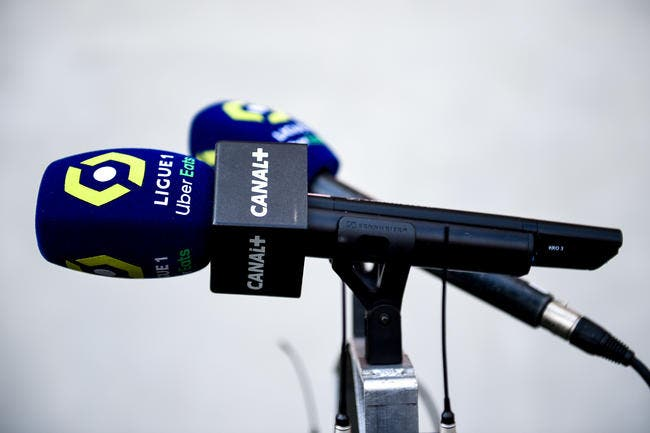 Affaire Pierre Ménès : Cinq journalistes virés par Canal+ ?