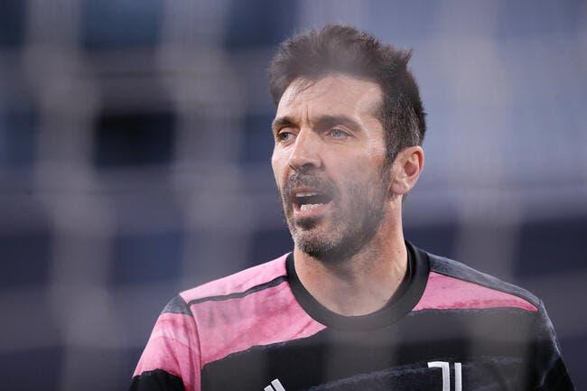 Juventus : Buffon annonce son départ, pas sa retraite