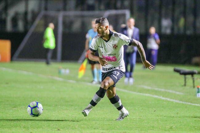 OL : Cornet s'en va, un défenseur brésilien arrive !