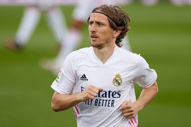 Real Madrid : Luka Modric prolonge jusqu'en 2022