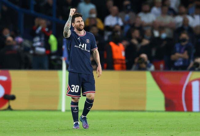 Lionel Messi prudent avant de soulever le Ballon d'Or