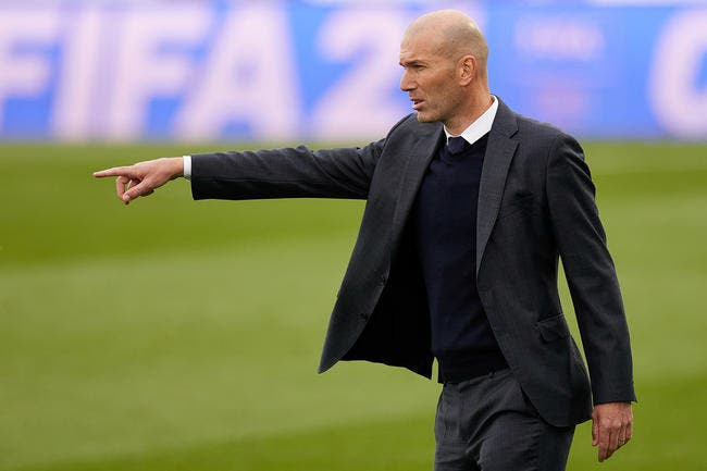 El Chiringuito s'enflamme pour Zinedine Zidane au PSG !