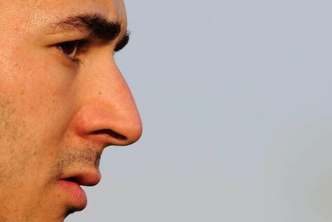 Officiel : Benzema signe au Real Madrid !