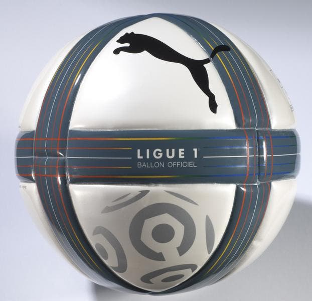 photos de foot photo du jour le ballon officiel de la saison 2010 2011 ligue 1 foot 01. Black Bedroom Furniture Sets. Home Design Ideas