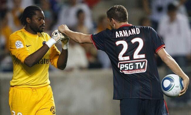 Apoula Edel expédie Sylvain Armand à l'infirmerie