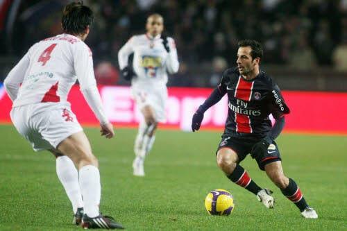 Giuly : «Toujours difficile à Auxerre»