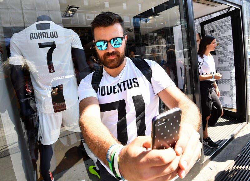 Cristiano Ronaldo affole la Juventus , 500.000 maillots CR7 vendus !