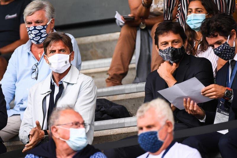 PSG: Leonardo, napadnutý jeho nugety, reaguje s budoucím Jadonem Sancho